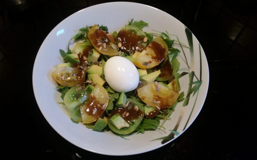 Salade fraîcheur avocat, concombre,tomates, oeuf mollet